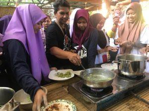 onde-onde malaysia makanan paling best kelantan gula melaka